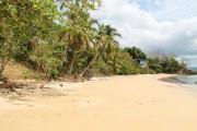 superbe plage devant le terrain