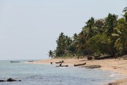 plage devant le terrain à vendre